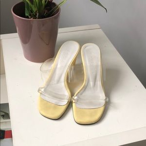 MNZ Olympia Style/Replica Yellow Wedges
